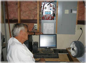 Tom using EnergyAccess to analyze his energy usage